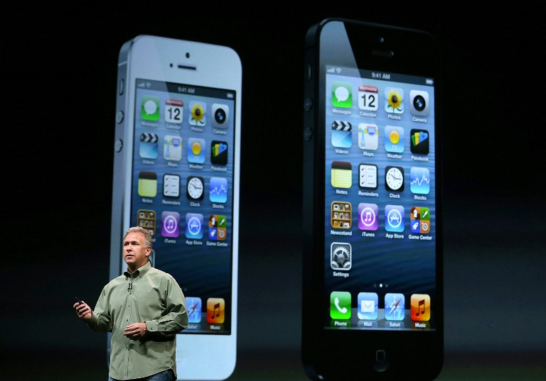 Apple Senior Vice President of Worldwide product marketing Phil Schiller announces the new iPhone 5. ©AFP