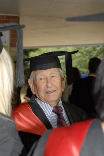 97-year-old Allan Stewart. ©AFP PHOTO / SOUTHERN CROSS UNIVERSITY LISMORE / SHARLENE KING