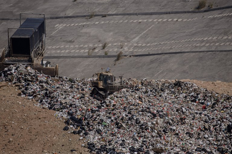 A landfill in the new territories of Hong Kong. ©AFP