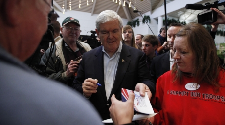 U.S. Republican presidential candidate Newt Gingrich speaks to supporters during his campaign. ©REUTERS/Jim Young