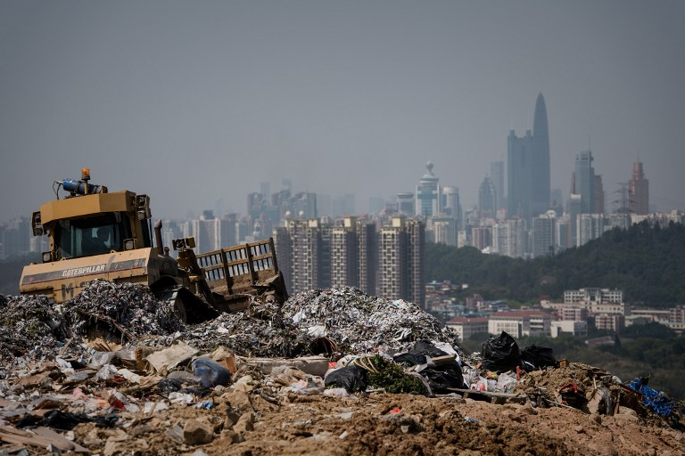 Hong Kong struggles to overcome mountains of waste