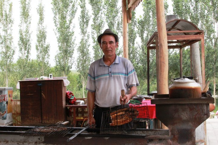 The locals cook fish on coals. They do no marinate but simply use salt and spices. ©Vladimir Prokopenko