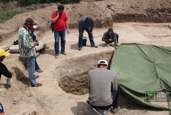The burial site of the high-ranking young woman was discovered during reconstruction of Taskesken-Bakty road in Urdzhar region. Photo by Daniyar Bozov©