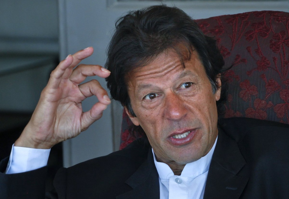 Pakistan cricket star turned politician Imran Khan leads Western peace activists and local loyalists on a highly publicised rally to Pakistan's tribal belt ... - photo_21161