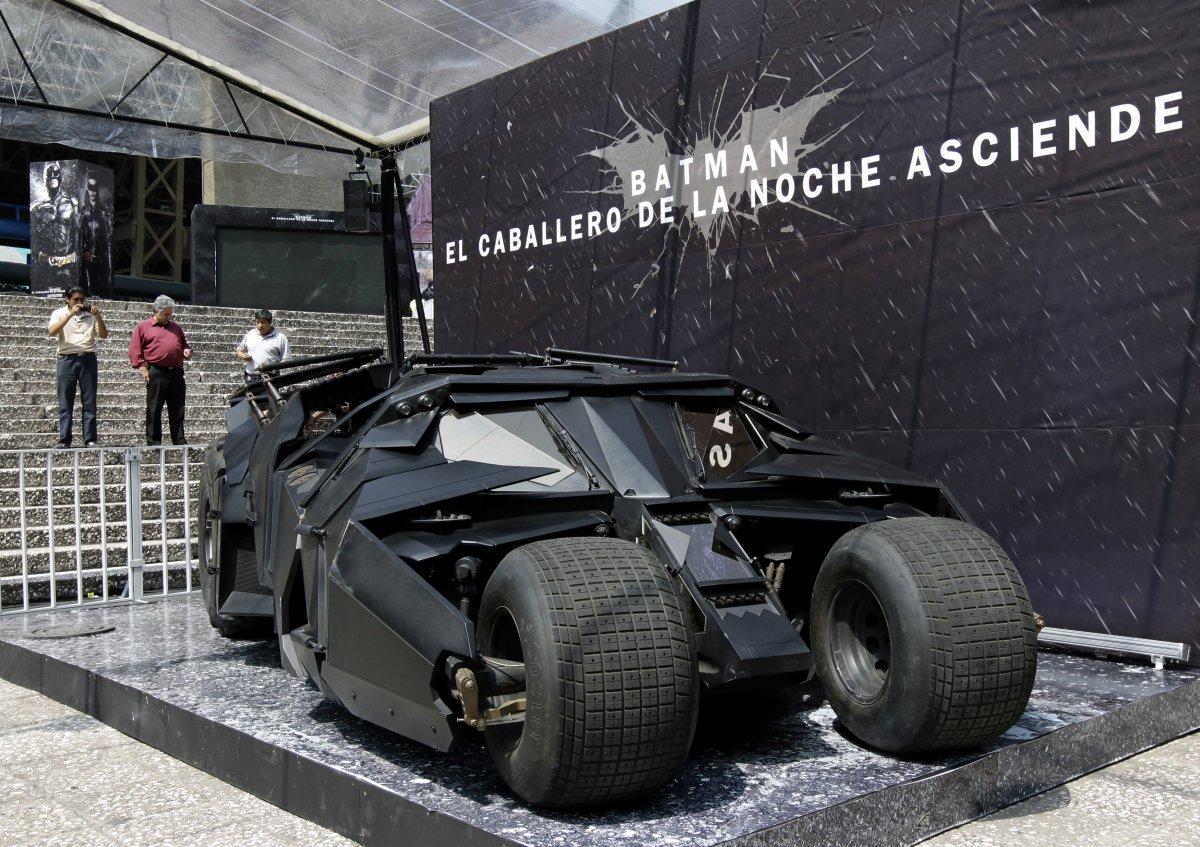 It\'s no Joker: Batman\'s car is for sale - Strange News | Tengrinews