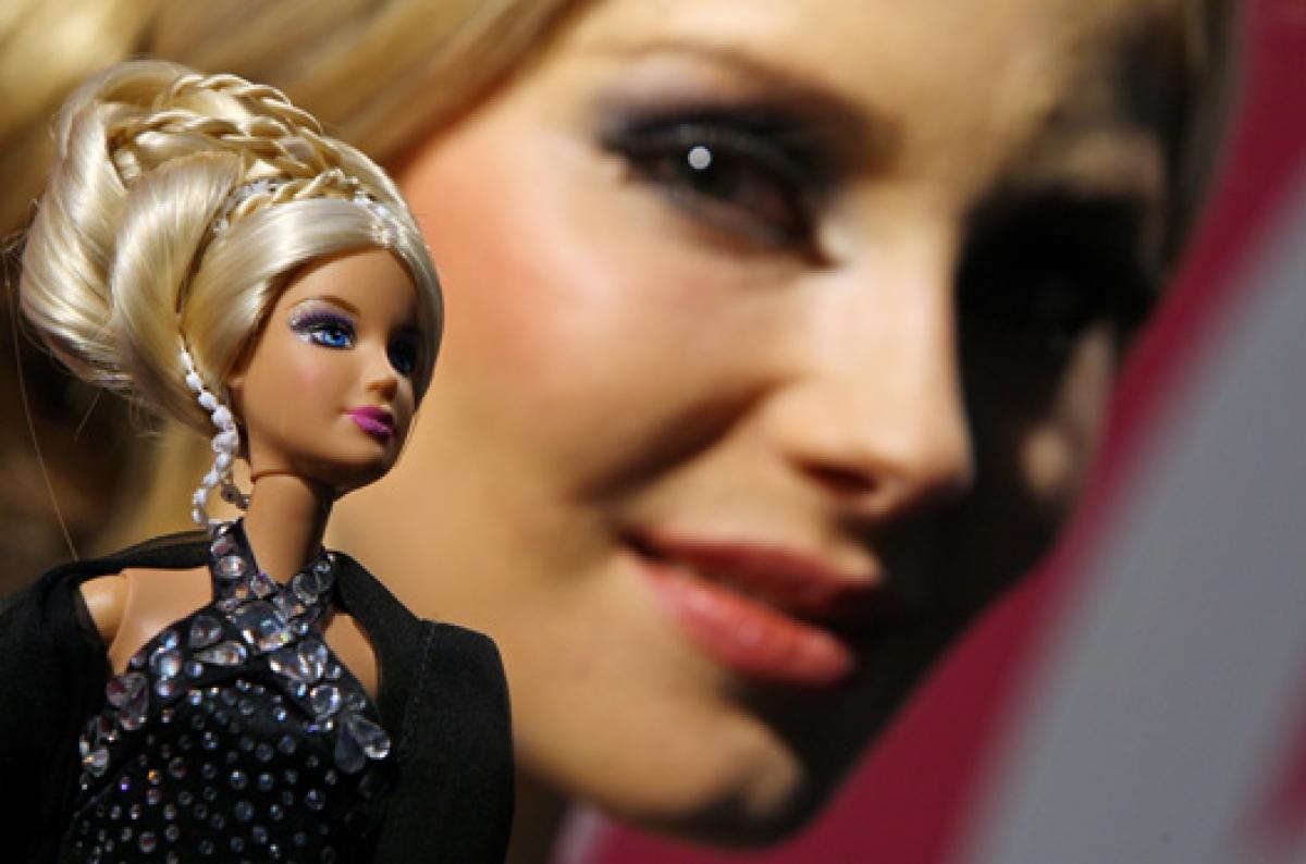 Самая дорогая в мире кукла Барби была выпущена в 1999 году ювелирным домом