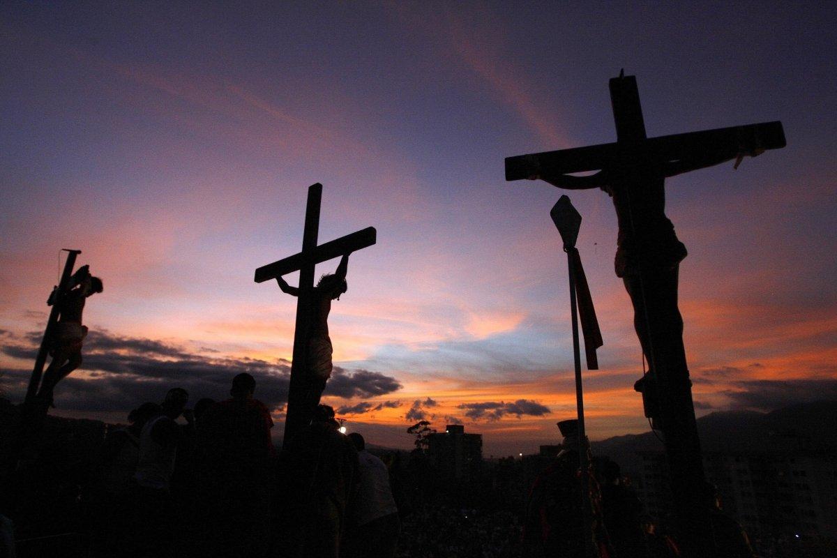 venezuela easter religion tengrinews candidates effigy torched kz jorge reuters silva