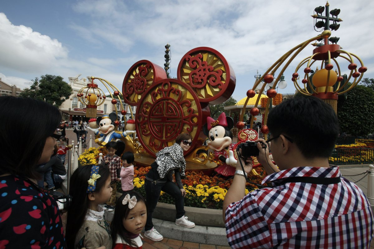 hong kong disneyland when big business Part a go online go online to  to find more cases case study 3 hong kong disneyland: when big business meets feng shui.