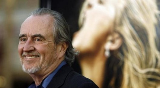 Director Wes Craven attends the premiere of the movie ''Drag Me to Hell'' at the Grauman's Chinese theatre in Hollywood. ©Reuters