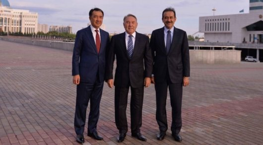 Bakhytzhan Sagintayev (L), Nursultan Nazarbayev (C), Karim Massimov (R). Photo courtesty of Akorda.kz