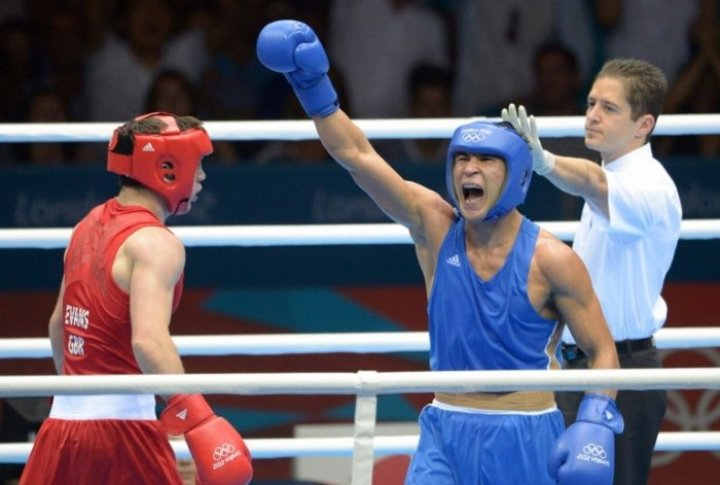 Kazakhstan boxer Serik Sapiyev after victory at London Olympics-2012. ©AFP